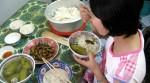 Ăn 3 bát cơm, 1/2 lạng thịt bò xào, 1 bó cải nấu canh, 1 quả trứng gà luộc và 1 cốc sữa sao vẫn ốm?