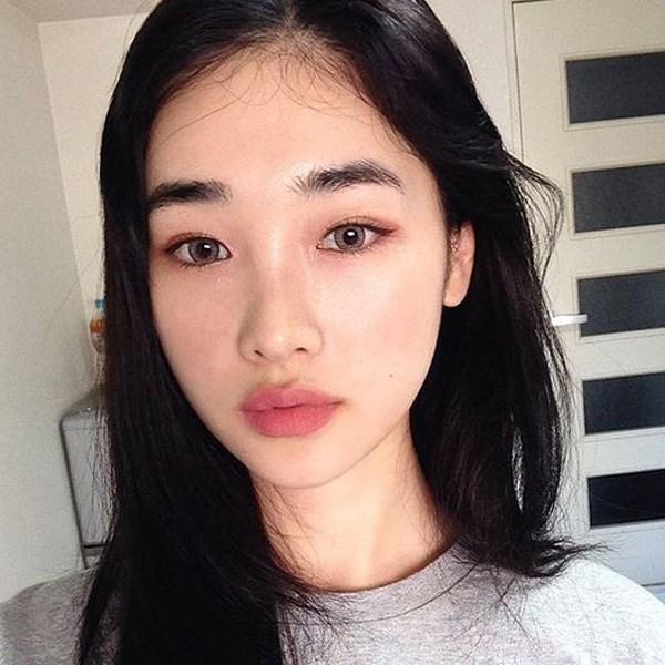 5-xu-huong-trang-diem-hot-dau-nam-2018-chi-em-dung-bo-lo-nhe-5