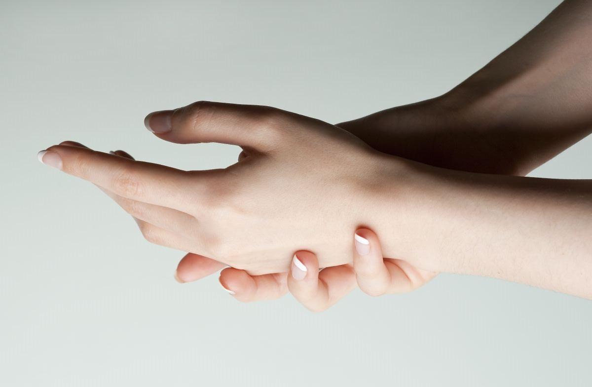 Không bảo vệ da tay