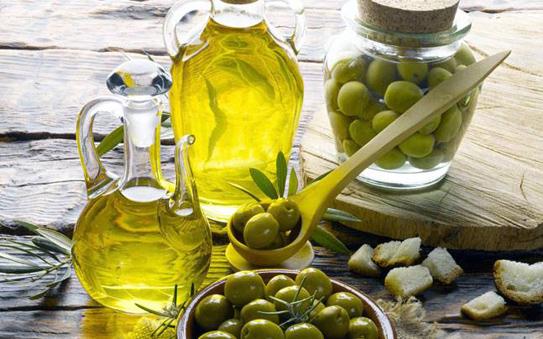 dầu oliu giúp trắng da hiệu quả