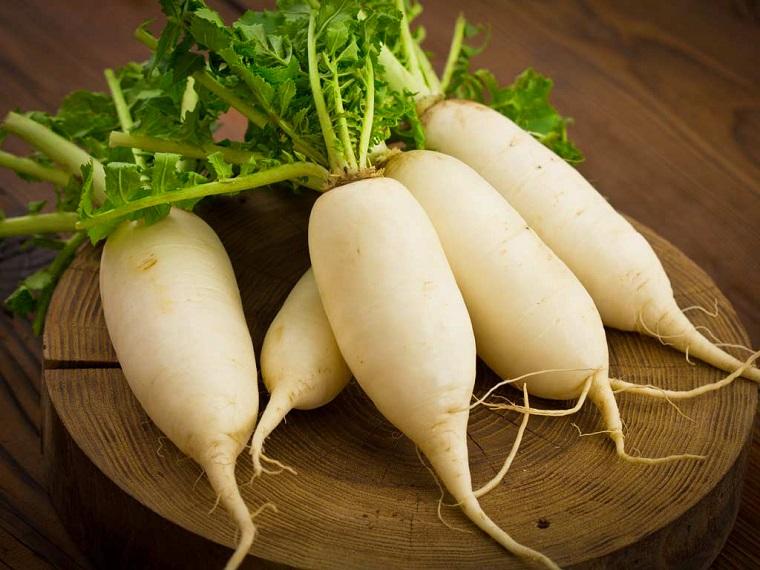lá cải trắng giúp giảm mụn
