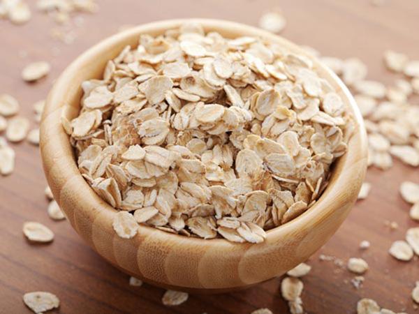 bột yến mạch giúp trị mụn