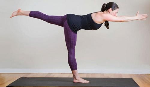 tập yoga tránh tình trạng căng thẳng