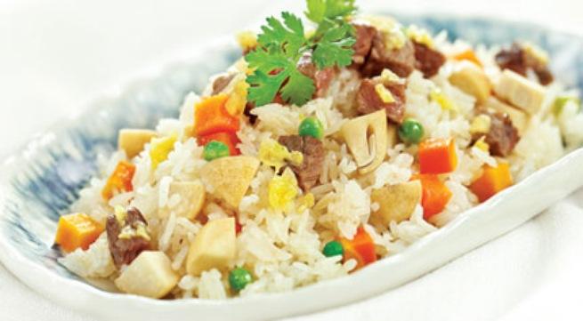 Kết quả hình ảnh cho cách làm món cơm chiên thịt bò phomai