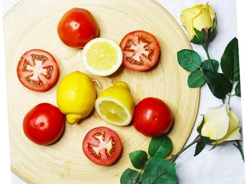 Cách làm trắng da bằng cà chua hiệu quả chỉ sau 1 đêm