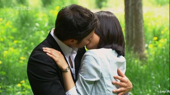 Đêm tân hôn, cô dâu ngất tại chỗ khi nhìn thấy… tấm lưng trần của chồng