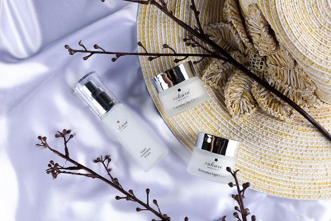 mỹ phẩm Sakura chống lão hóa