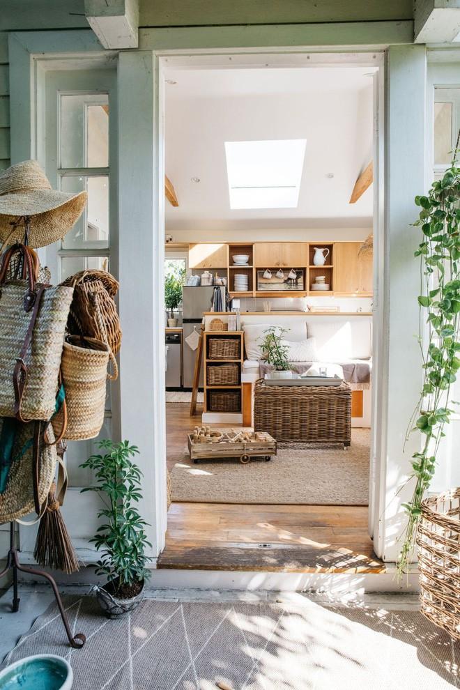 Ngôi nhà 34m² đầy cảm hứng và khiến bạn đi hết từ bất ngờ này đến bất ngờ khác khi bước chân vào cửa - Ảnh 2.