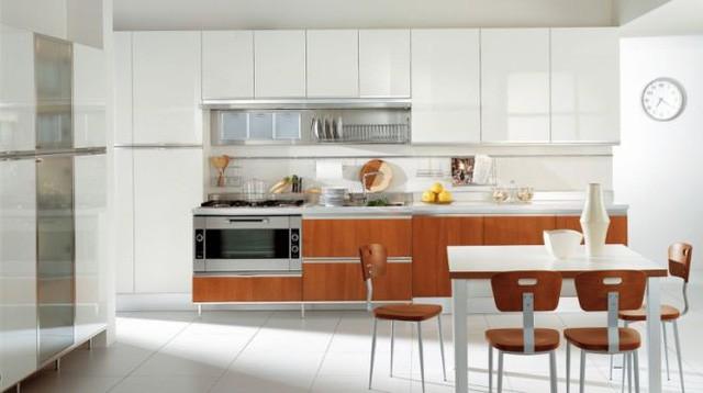 Với những người yêu sự tinh khiết và thông thoáng thì mẫu tủ bếp đơn giản với tông màu trắng này sẽ là lựa chọn tuyệt vời.
