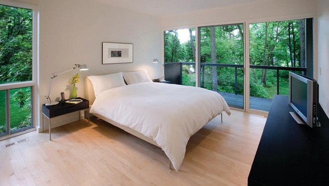 Ngôi nhà dùng kính thay bê tông tinh tế và lãng mạn - Ảnh 5.