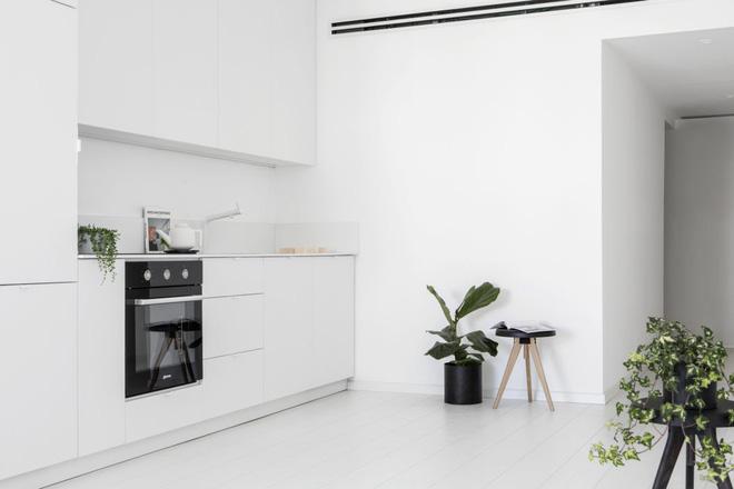 Căn hộ nhỏ hẹp 42m² nhìn rộng thênh thang nhờ sử dụng gam màu trắng tinh khôi - Ảnh 6.