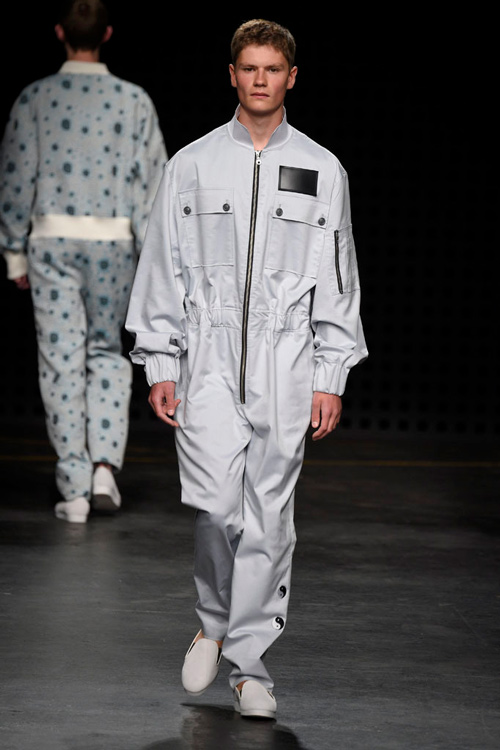 Áo yếm nữ gây sốc trên sàn diễn thời trang nam - 10