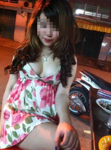 Bạn gái Việt khoe ngực ngày càng dạn dĩ - 6