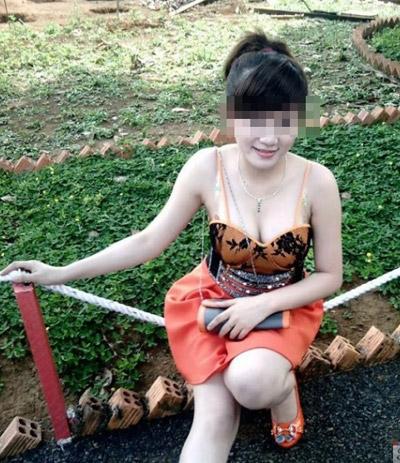 Bạn gái Việt khoe ngực ngày càng dạn dĩ - 9