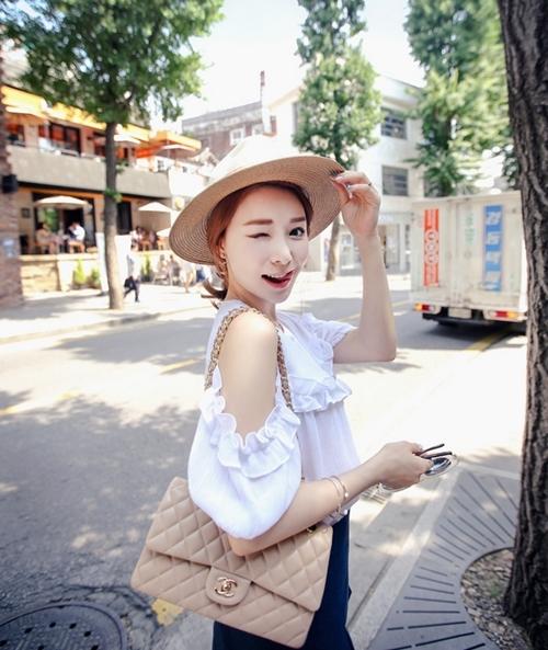 Những mẫu áo khiến bạn thêm yêu cái nóng mùa hè