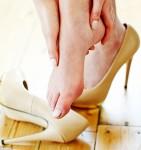 Mang giày cao gót nhiều dẫn đến u dây thần kinh