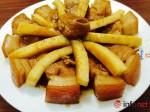 Bắt cơm với thịt kho dừa thơm ngon, mềm ngậy