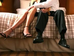 Dễ dàng ngoại tình vì chồng quá ngây thơ