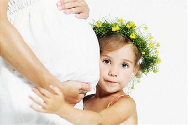 Số lượng bé gái sẽ nhiều hơn bé trai nếu trong tương lai Trái Đất tiếp tục nóng lên - Ảnh: Internet