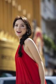 Một chiếc váy yếm, Kỳ Duyên - Angela Phương Trinh ai tỏa sáng hơn?