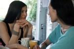 Mệt mỏi đứng giữa nhìn chồng và bạn thân đổ lỗi cho nhau