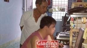 Người cha giúp đứa con bị bệnh Down thành sinh viên thành tài