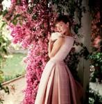 Audrey Hepburn và 5 bí quyết mặc đẹp quý giá
