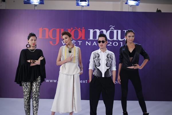 Nhà thiết kế Thuỷ Nguyễn, siêu mẫu Thanh Hằng, nhiếp ảnh gia Samuel Hoàng, Mâu Thanh Thuỷ tuyển sinh tại TP HCM.