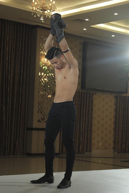 Theo Thanh Hằng, các thí sinh nam đã có sự chăm sóc kỹ lưỡng về hình thể trước khi đến với cuộc thi.