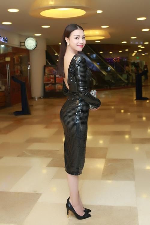 Trà Ngọc Hằng gợi cảm với váy ôm sát dự sự kiện - 2