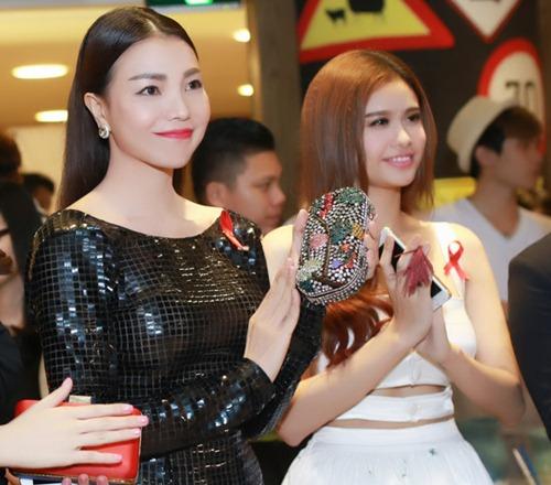 Trà Ngọc Hằng gợi cảm với váy ôm sát dự sự kiện - 6