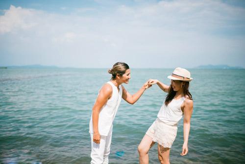 Xúc động bộ ảnh tình yêu của cặp đôi đồng tính nữ - 14