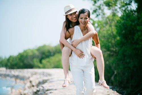 Xúc động bộ ảnh tình yêu của cặp đôi đồng tính nữ - 15