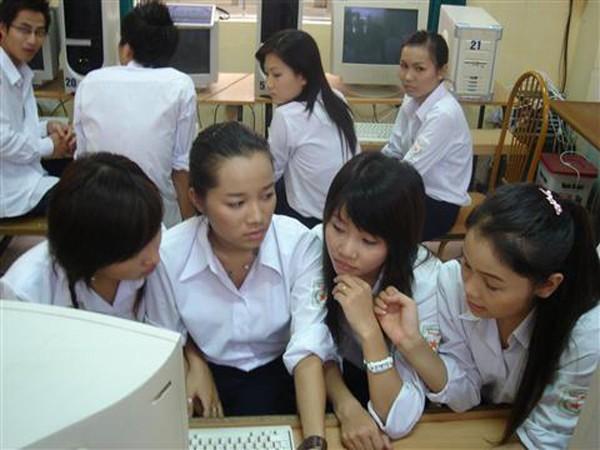 dong-phuc-hoc-sinh-7-f9b38