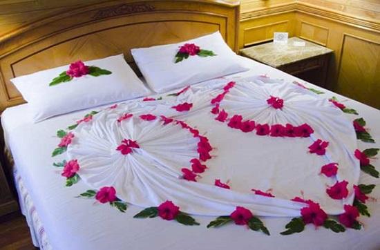 Kết quả hình ảnh cho cách trang trí phòng cưới