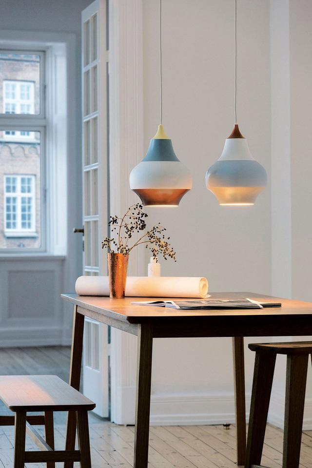 Thêm một chút điểm nhấn trong không gian để phối hợp với chiếc đèn chiếu sáng này là hoàn hảo nhất.