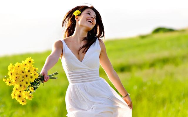 Phụ nữ bỗng dưng biết yêu mình cũng có thể là... sự lạ (Ảnh minh họa IT)