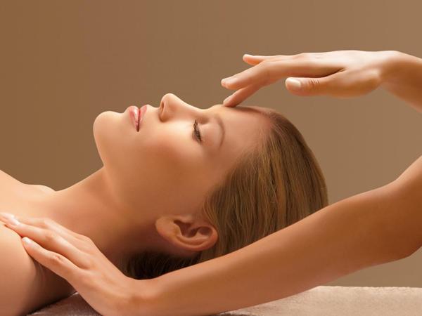 """6 cách chăm sóc da mặt để mẹ sau sinh """"đẹp mòn con mắt"""""""