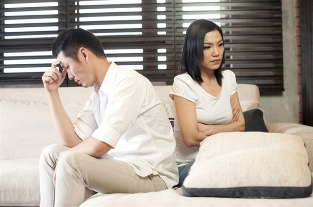 """Nhắm mắt cho vợ đi xin mụn con, vợ """"được thể"""" xin liền 3 đứa"""