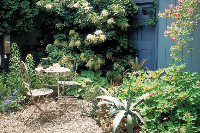 18 cách cực hay mà đơn giản để làm mới sân vườn nhà bạn - Ảnh 7.