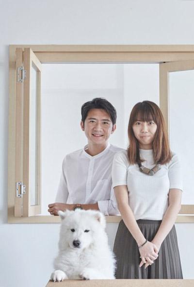 Anh Robertson và chị Joanne đang ở độ tuổi 30 sống cùng một chú chó xinh xắn trong căn hộ 90 m2 ở Singapore. Cặp vợ chồng có rất nhiều ý tưởng để cải tạo nơi ở của mình.