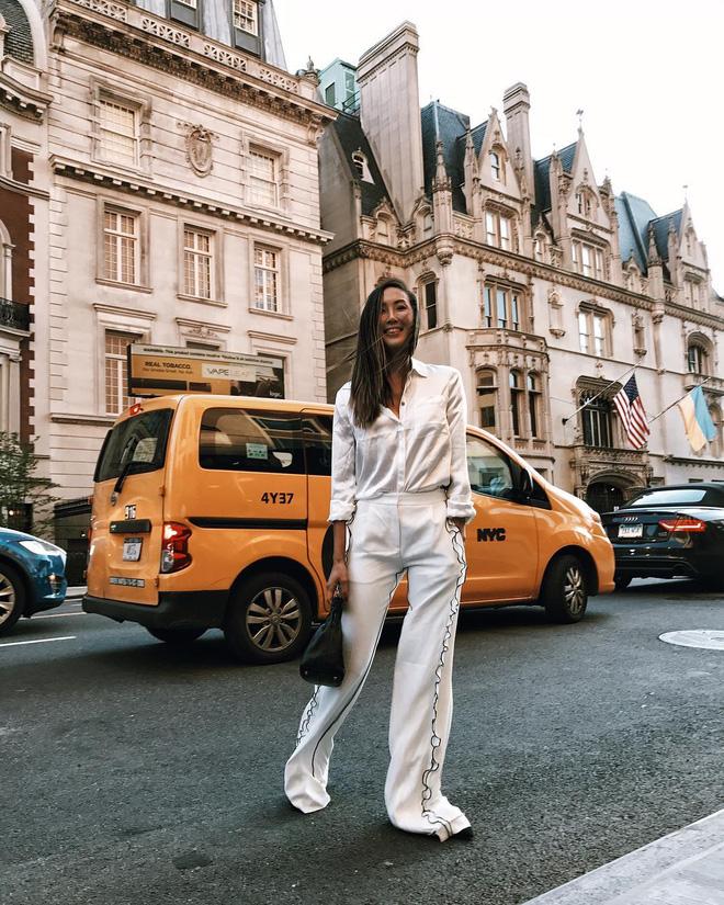 Người mặc suit cá tính, người diện đồ cả cây là những điểm sáng nhất của street style châu Á tuần qua - Ảnh 2.