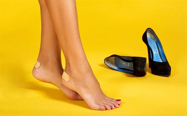 9 mẹo giúp bạn đỡ đau chân khi mang giày