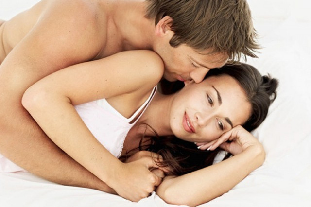 """Chồng """"yêu"""" theo lối mòn, vợ thường mơ chuyện chăn gối"""