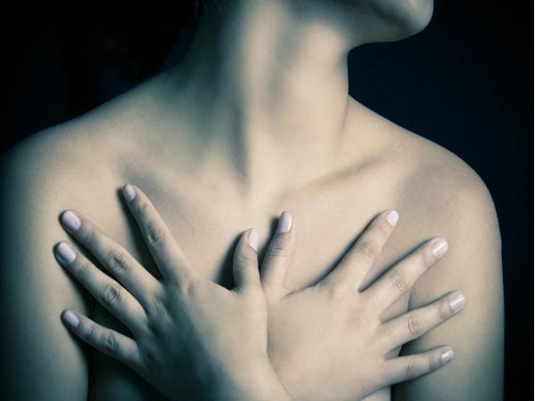 Cứ 6 bệnh nhân ung thư vú thì có 1 người không nổi cục trong ngực: Vậy làm thế nào để nhận biết?
