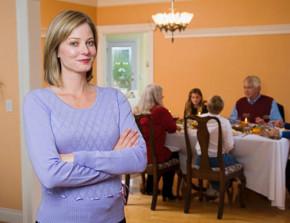 Nàng dâu bức xúc vì mẹ chồng tính toán chi ly: Khéo ăn thì no, khéo co thì ấm