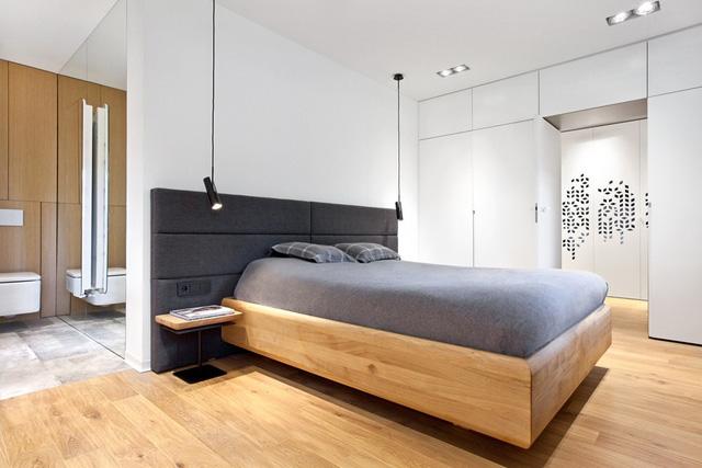Phòng ngủ cho bố mẹ có công trình phụ đi kèm.