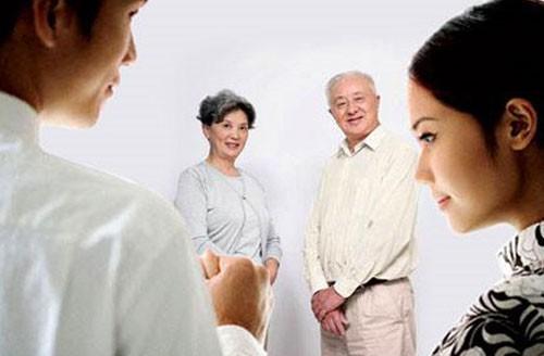 Giật mình trước yêu cầu lạ đời của bố mẹ chồng