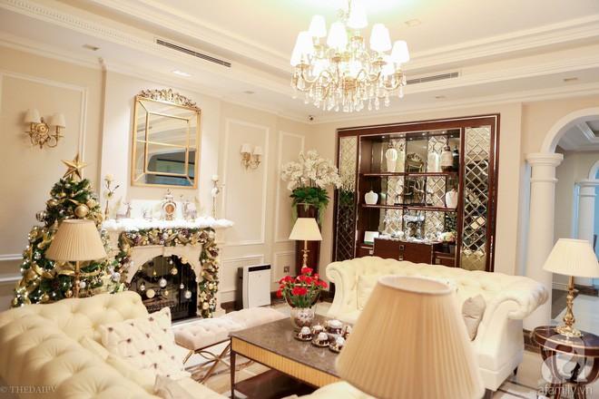 Ngắm ngôi biệt thự lung linh màu sắc Giáng sinh ở Long Biên, Hà Nội - Ảnh 9.