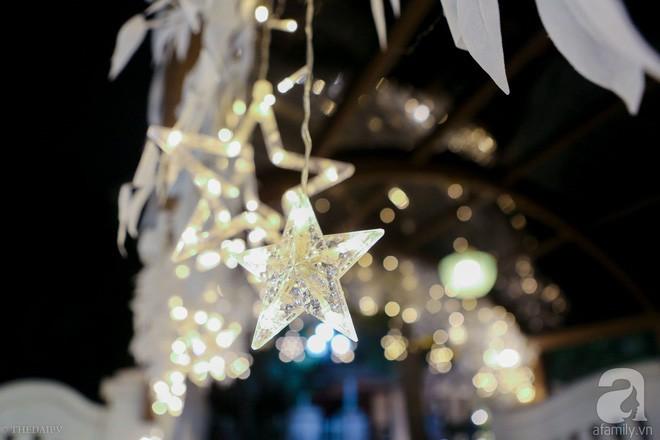 Ngắm ngôi biệt thự lung linh màu sắc Giáng sinh ở Long Biên, Hà Nội - Ảnh 7.